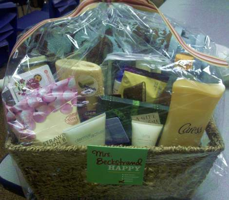The Lowdown On How To Put Together A Fantastic Affordable Gift Basket Campclem