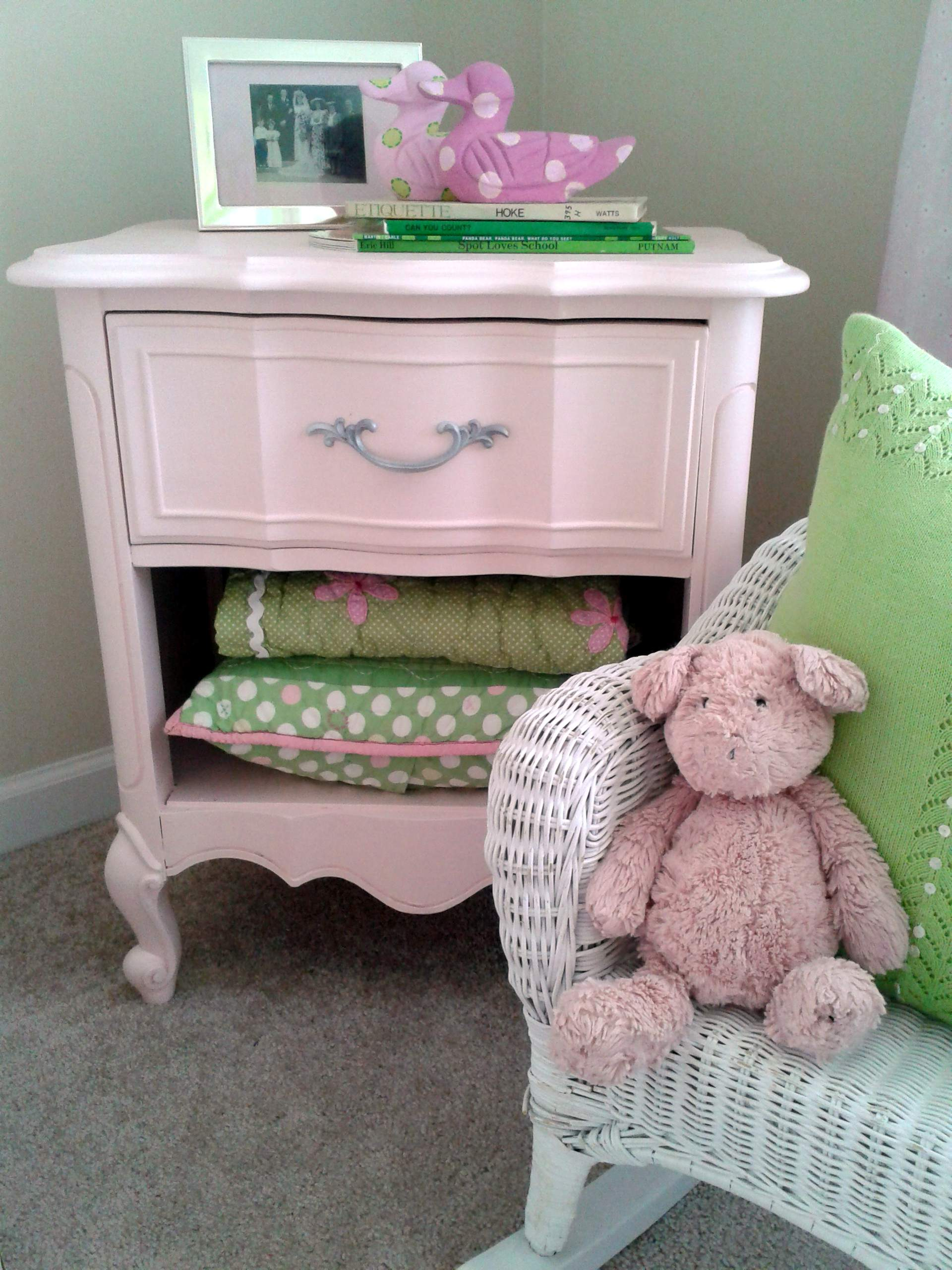 Charmant ... 1920 × 2560 In Before U0026 After: Goodwill Bedside Table Goes Powder Pink