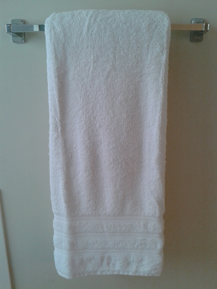 How to fold bathroom towels for hanging -  Here S How We Fold Bath Towels Round Here We Usually Hang