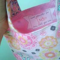 Simple Tote Tutorial & Banner Label DIY