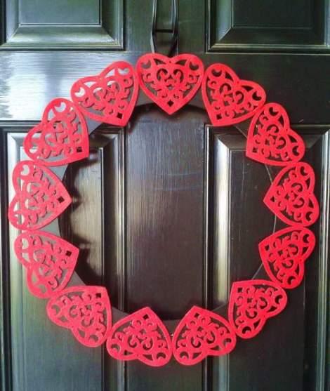 Valentine's felt heart wreath daytime