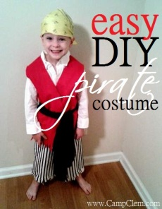 easy DIY pirate costume for play or halloween or theme days