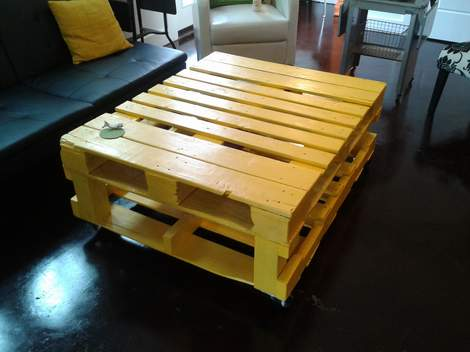 01 yellow pallet coffee table 03