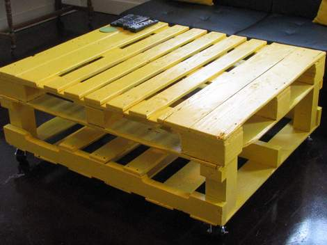 02 yellow pallet coffee table 01