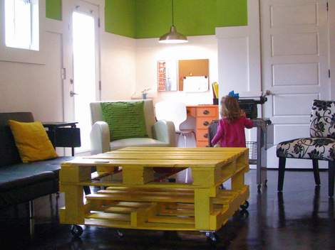 06 yellow pallet coffee table 08