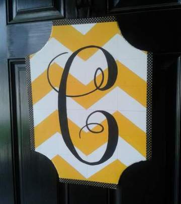07 yellow chevron initial wreath update after detail