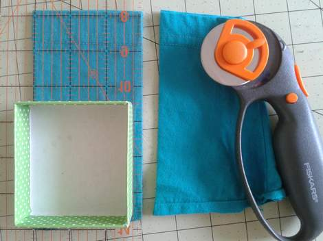 02 sleeve to pouch simple  upcycle tutorial
