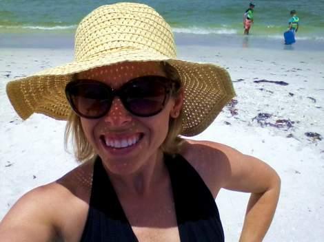 03 straw hat beach