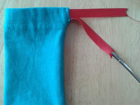 07 sleeve to pouch simple  upcycle tutorial