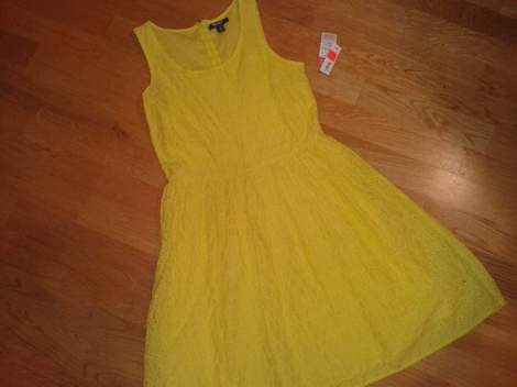 01 yellow eyelet dress score