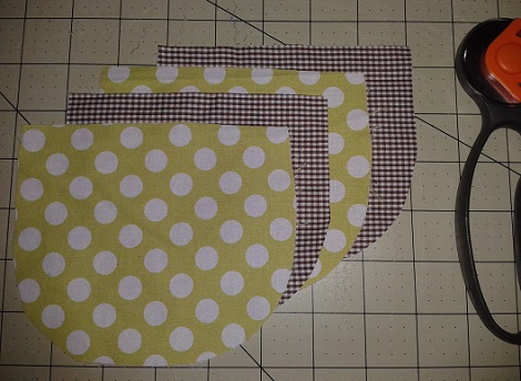 01 two-minute patch pocket tutorial fabric pieces