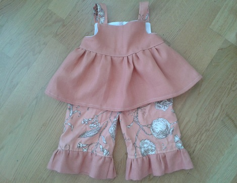 05 Sis sew new outfits melon top