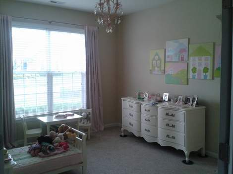 06 little girl room moving furniture