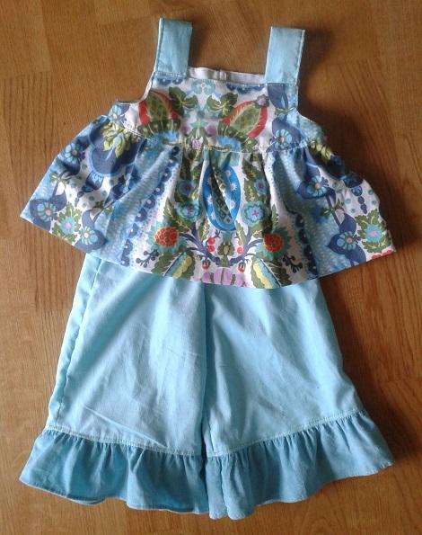 09 Sis sew new outfits aqua