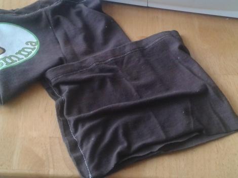 t-shirt to ruffle pants 09