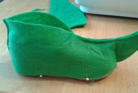 image regarding Elf Shoe Pattern Printable identified as Assist An Elf uncomplicated Do-it-yourself felt shoe handles CampClem