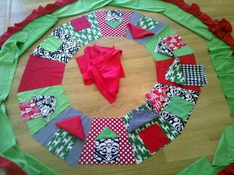 05 tree skirt cutting pieces