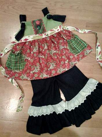 Mixed Fabrics Christmas Outfit 01
