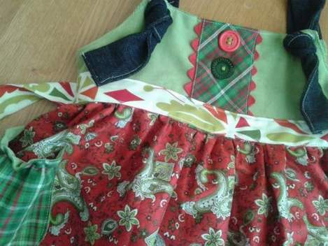 Mixed Fabrics Christmas Outfit 02