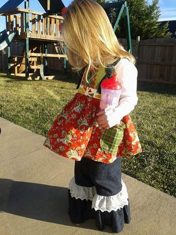 Mixed Fabrics Christmas Outfit 03