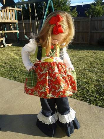 Mixed Fabrics Christmas Outfit 05