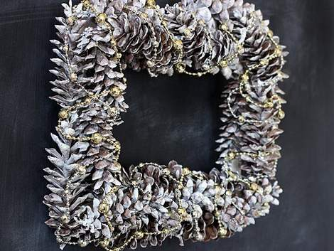 silver pinecone wreath square