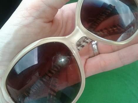 sunglasses screwdriver hack 01