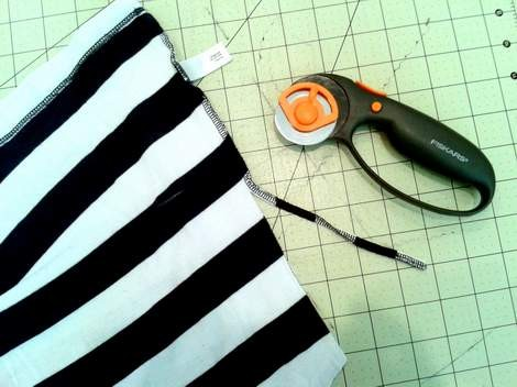 striped shirt to kid pants upcycle 06 cut off side seam
