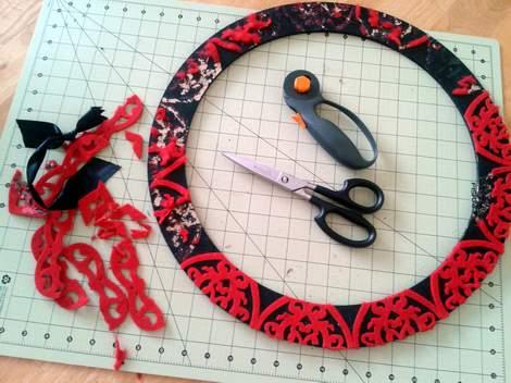 pink burlap wreath 02
