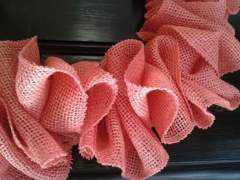 pink burlap wreath 07