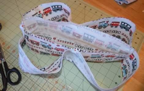train peek-a-boo ruffles skirt 02