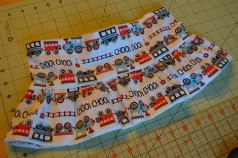 train peek-a-boo ruffles skirt 04