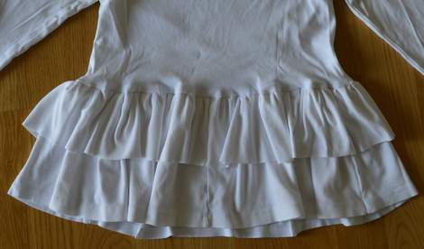 white t-shirt ruffle refashion 19