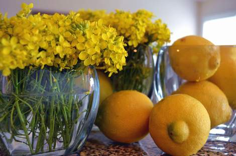 use what you've got tablescape--burlap, weeds, and lemons 06