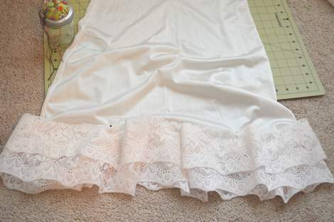 07 DIY ruffled lace slip skirt extender
