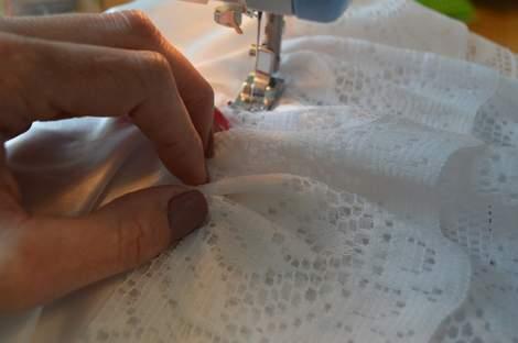 09 DIY ruffled lace slip skirt extender