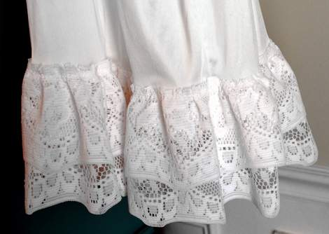 10 DIY ruffled lace slip skirt extender