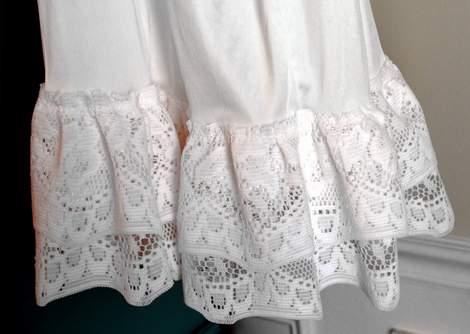 10 DIY ruffled lace slip skirt extender