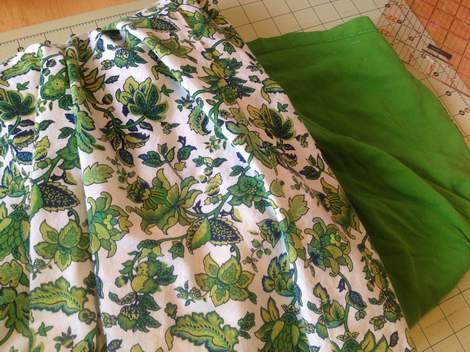 green skirt twinning 002