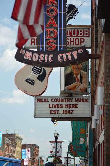 downtown Nashville walkabout 13