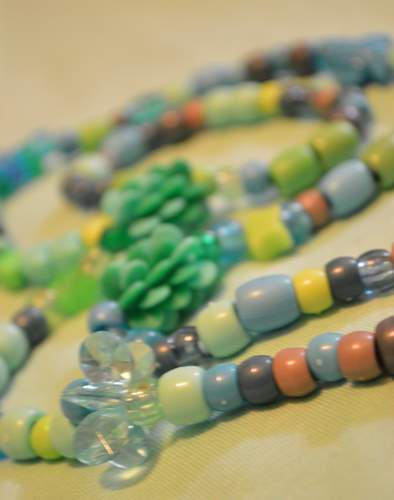 DIY kids necklace bead fun and corral tip 09