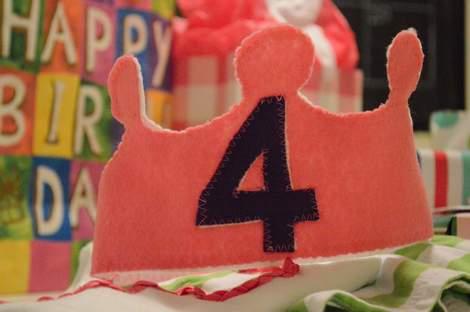 Sis 4 birthday crown 07