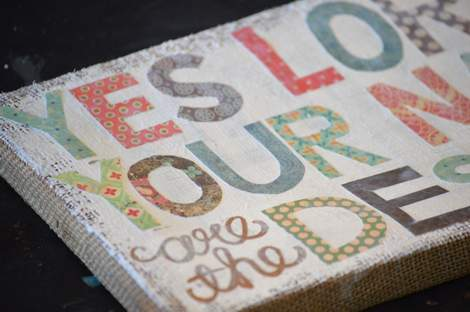 burlap canvas makeover 07